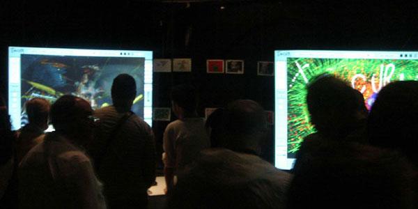 El público interactuando con TECURA 4.0, MNCARS, 2008